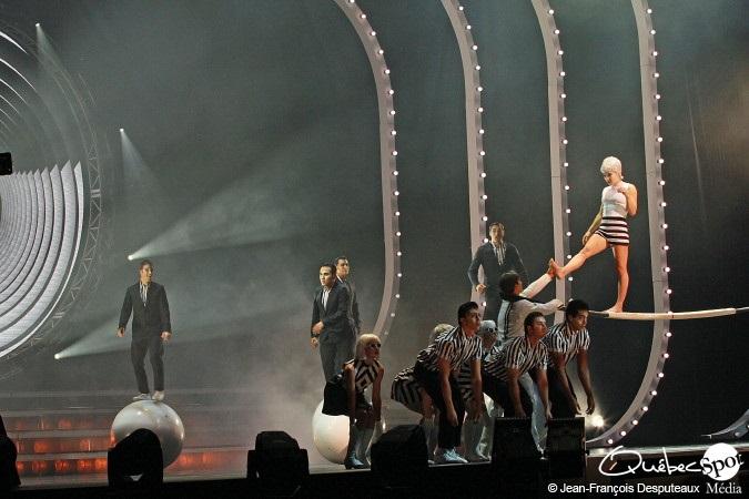 Cirque-du-Soleil-Tout-Ecartille-3